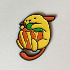 Orange Wapuu Pin Orlando 2015